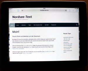 Die Startseite von Nordsee-Text auf einem Tablet im Querformat. (Foto: Birte Vogel)